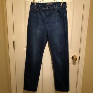 Levi's Perfectly Slimming 512 Straight Leg 12 jean